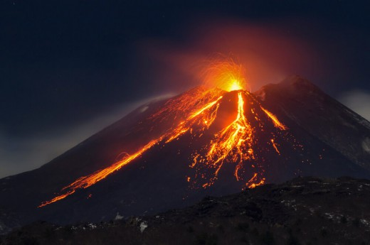 Erupce sopky Etna v Itálii