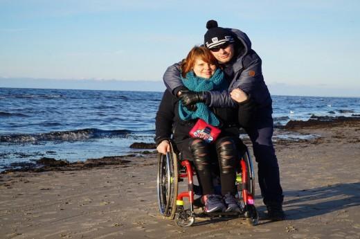 Míša a Lukáš na pláži v Jurmale, Lotyšsko.