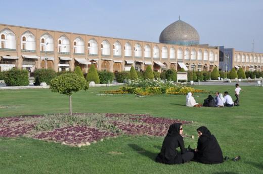 Náměstí Nesf-e Džahán v Esfahánu