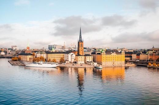 Výhled na Stockholm z vyhlídky Skinnarviksberget.
