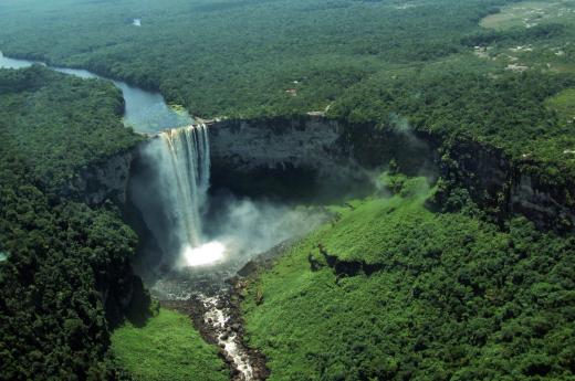 Let nad nejvyšším vodopádem