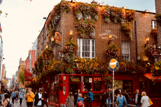 Nejznámější dublinský bar Temple bar nabízí největší výběr whiskey