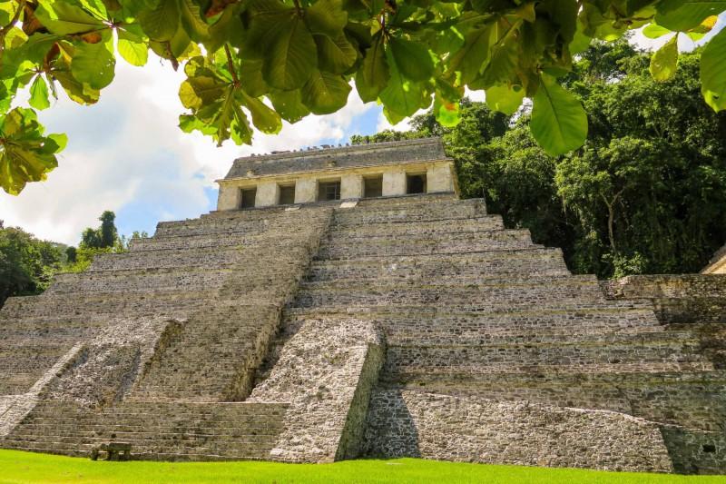 Chrám nápisů – jedna z mála mezoamerických pyramid vybudována jako hrobka.