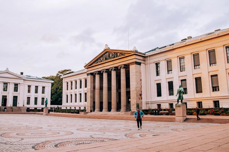 Jedna z budov Univerzity v Oslo.