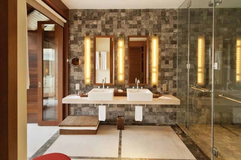 Luxusní koupelna vaší vodní vily.