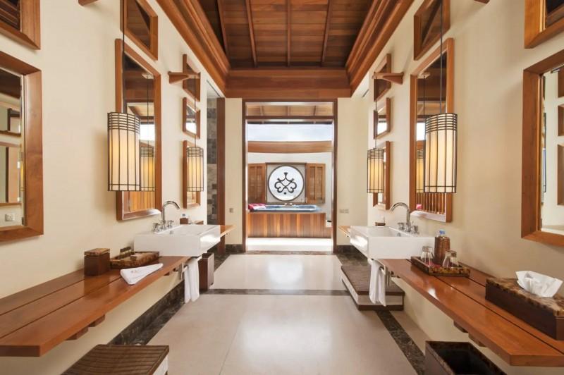 Stylová koupelna luxusní vily.