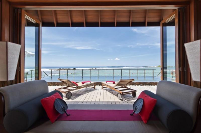Nádherný výhled na oceán z Ocean Suite.