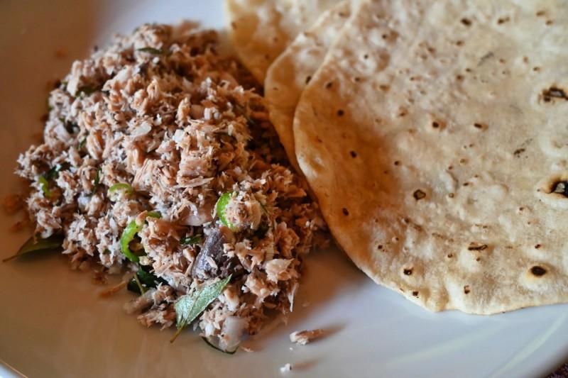 K snídani ochutnejte maledivské Mas Huni z tuňáka, cibulky, kokosu a chilli.
