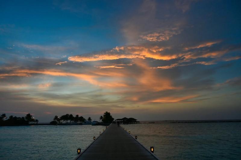 Západ slunce na Maledivách.