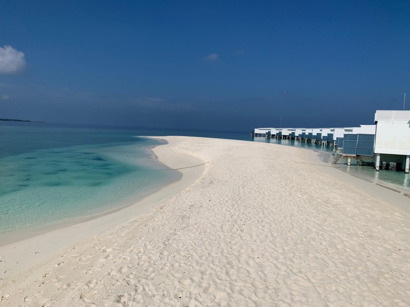 Bíle pláže na Baa Atol