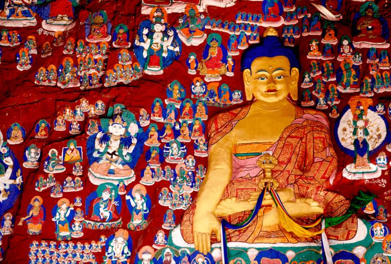 Zobrazení zlatého Buddhy v Lhase