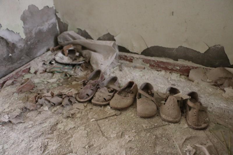 Opuštěné dětské botičky v Pripjati