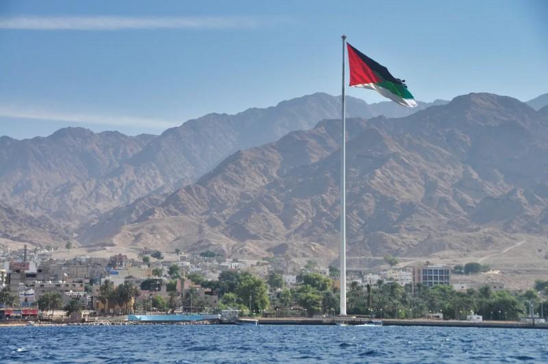 Pohled na přímořské město Aqaba.