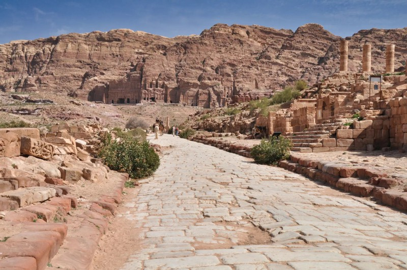 Cesta k ruinám skalního města.