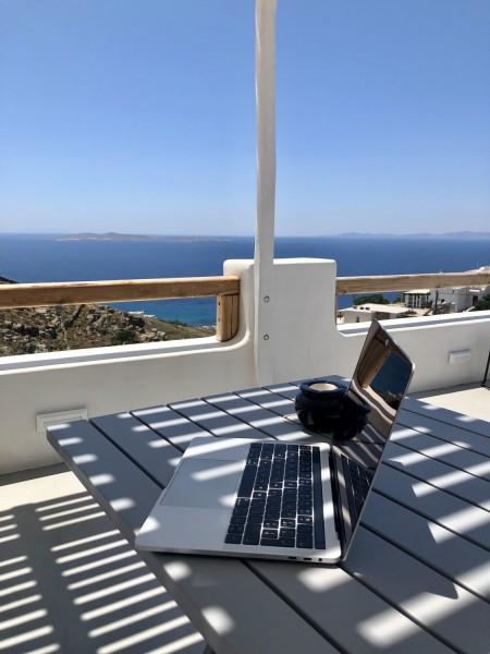 Výhled digitálního nomáda na ostrově Mykonos