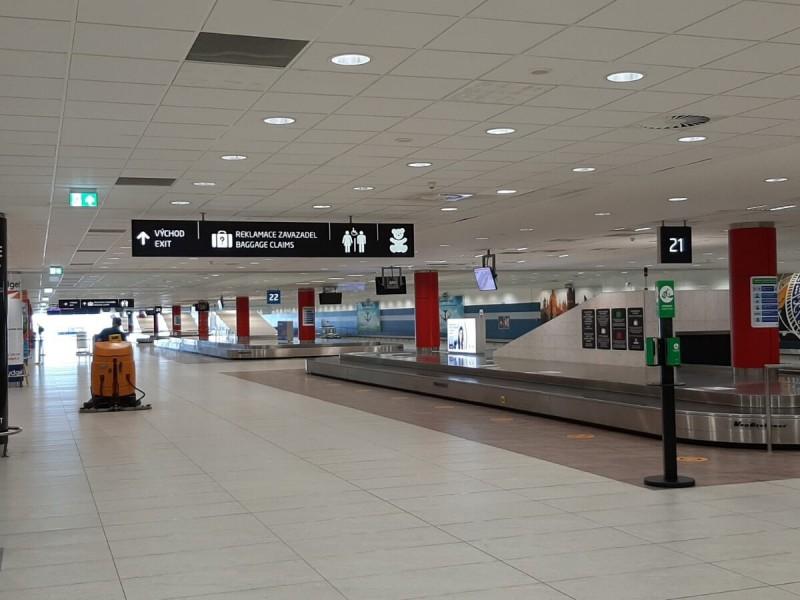 Zavazadlový pás na letišti v Praze.