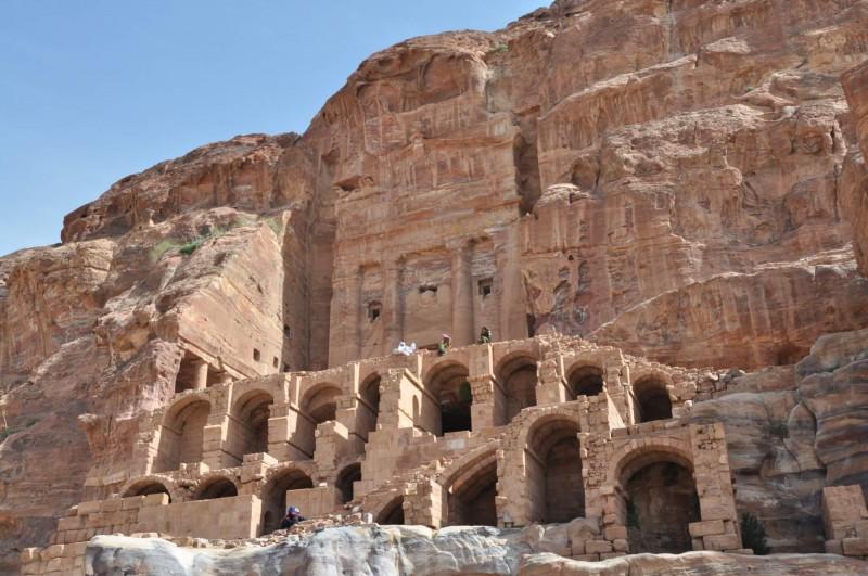 Urnova hrobka je největší hrobka v Petře