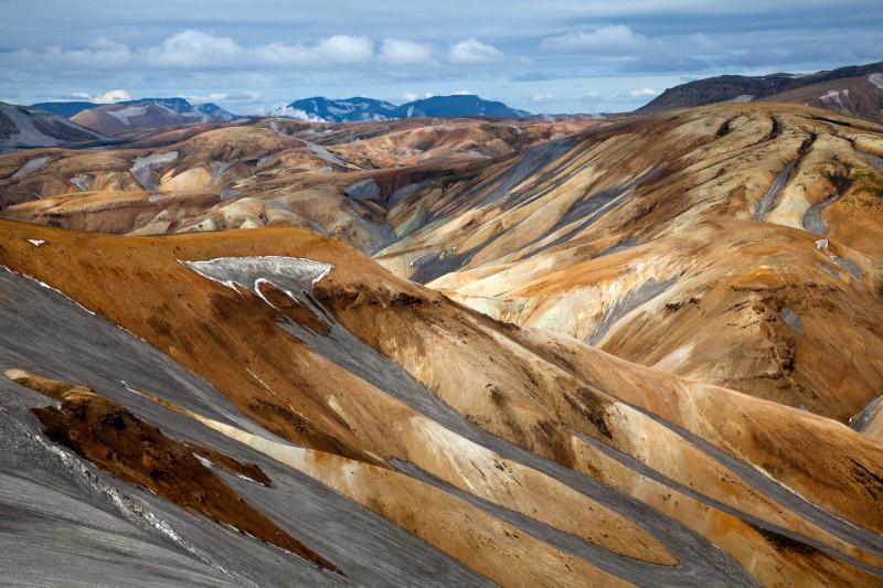 Nádherné duhové hory zvané Landmannalaugar