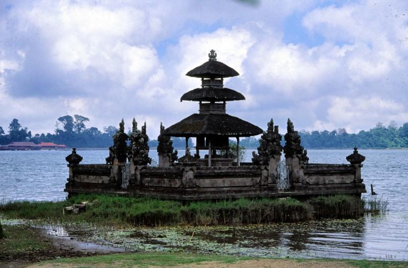 Chrám Pura u jezera Batur
