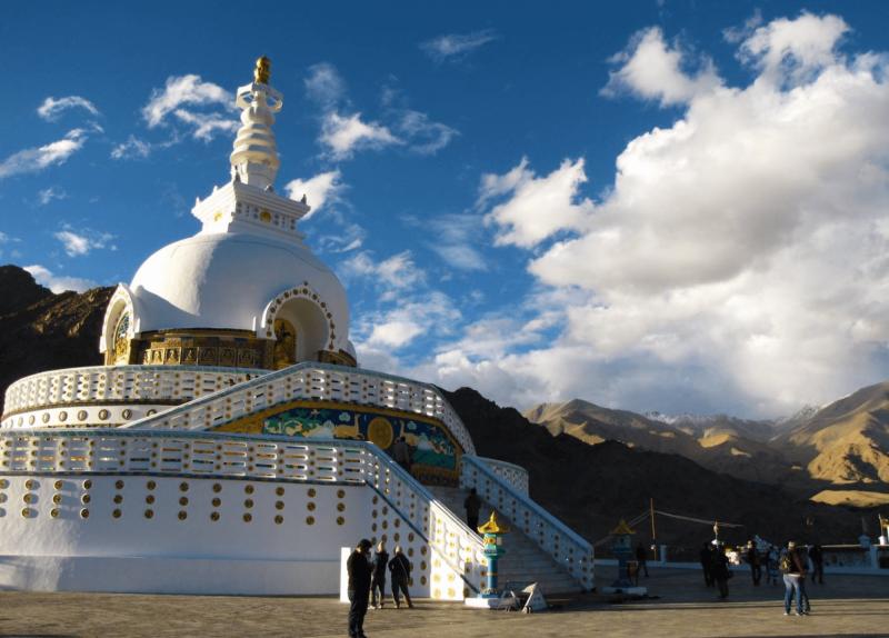 Náboženské místo Shanti stupa ve městě Leh