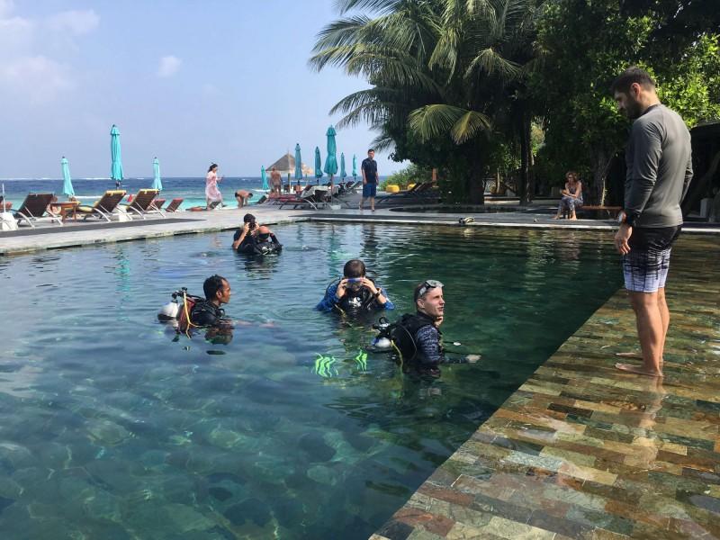 Škola potápění na ostrově Oblu