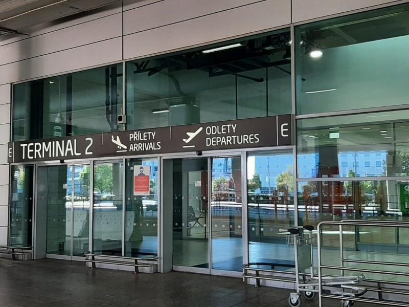 Vstup do terminálu 2 v Praze.