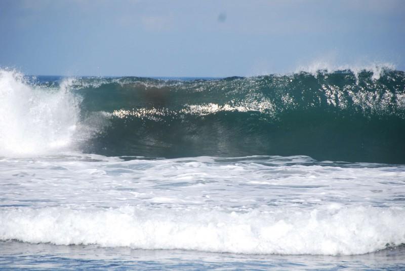 Vlny na pláži Kuta