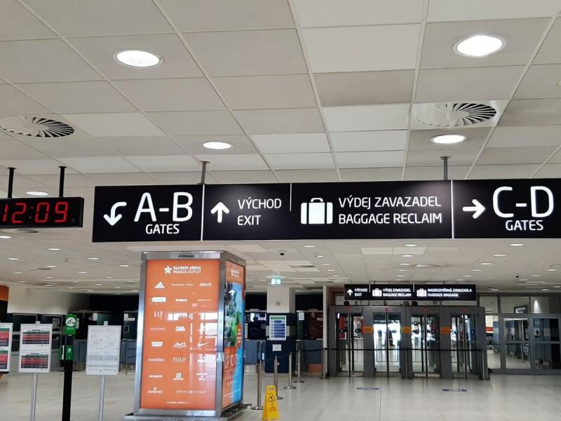 Východ z letiště Praha.