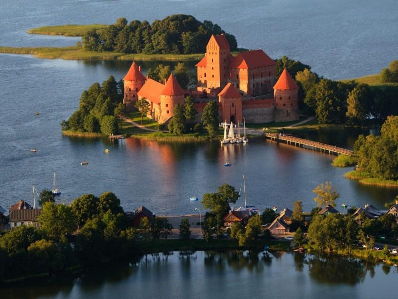 Výhled na hrad Trakai.