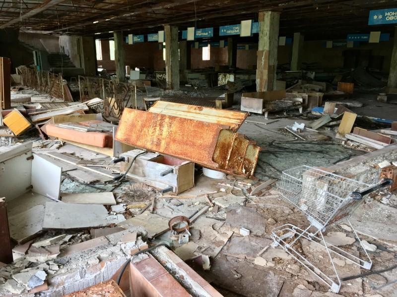 Zničený obchod v Pripjati