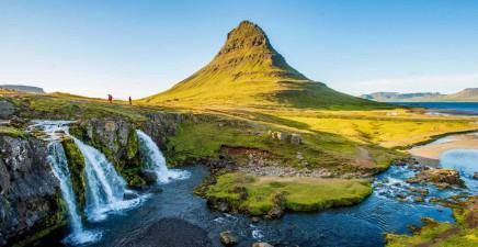 Kirkjufell je nejfotografovanější horou Islandu.