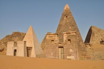 Meroe a jeho pyramidy patří k vrcholu naší cesty