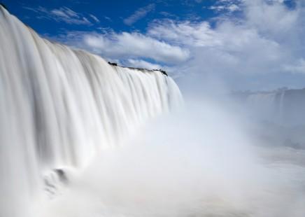 Poslechnete si hřmění vodopádů Iquazú