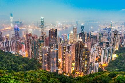 Na Hongkong se podíváte i z vyhlídky na Victoria Peaku
