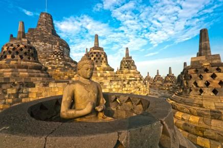 Obdivovat budete chrámový komplex Borobudur