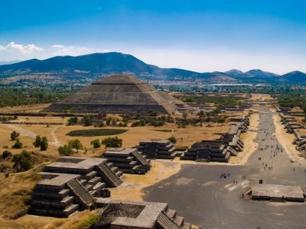 Vyběhnete s námi na jednu z pyramid?