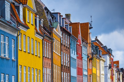 Barevné domky jsou typické pro Kodaň - vítejte
