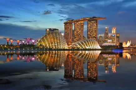 Noční panorama Singapuru