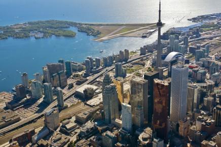 Toronto - CN Tower, stále jedna z nejvyšších staveb světa