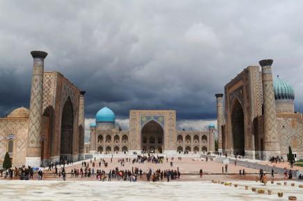 Náměstí Registán je poseté krásnými stavbami