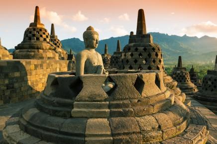 Borobudur patří k nejkrásnějším památkách Indonésie