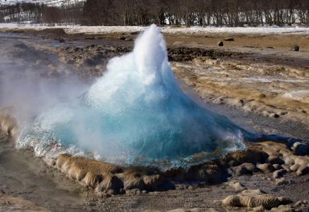 Půjdeme se podívat na nejznámější islandský gejzír - Strokkur