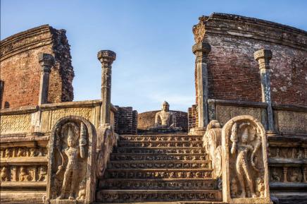 Náš SEN průvodce Vám povypráví o dvou vyznamných králích Parakramabahu a Nissanka Malla