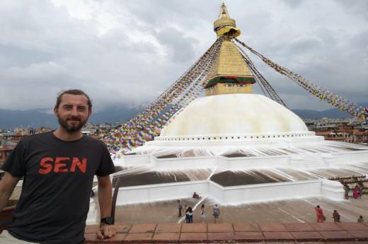 Buddhistický Bodnath se vševědoucíma Buddhovýma očima