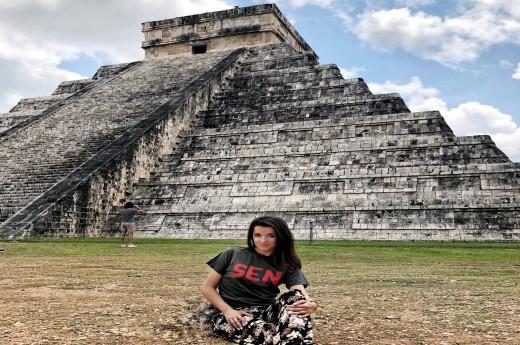 Podívate se na Kulkukánovu pyramidu zblízka