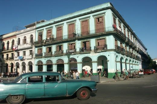 Čekají Vás typické uličky Havany