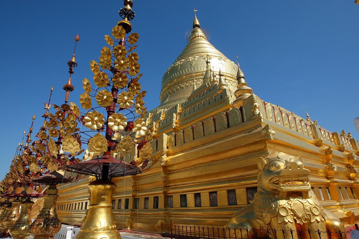 Chrámy zářící zlatem