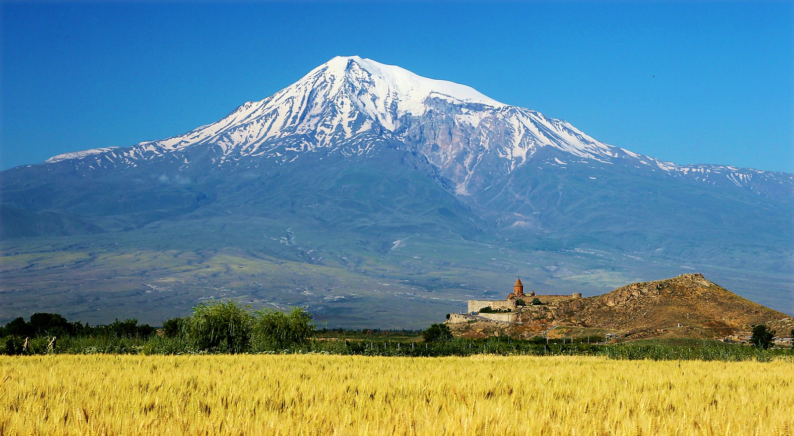 Gruzie to jsou kláštery a nádhlerné hory