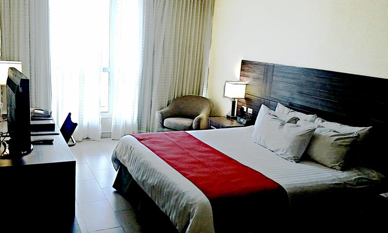Victoria Hotel and Suites