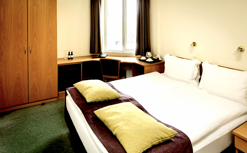 Center Hotel Skjaldbreid ( nebo Center hotel Midgardur / Fosshotel Raudara / Fron /Grand)